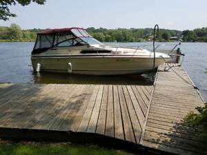 268 Sea Ray Weekender, 454 Mercruiser, C/W Aluminum Trailer