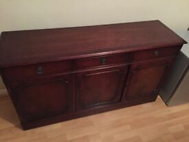 Classic Cabinet with Cupboard and Drawer
