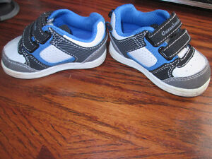 new condition baby shoes sz 1 and 3