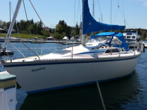 28.5 Hunter Sailboat, St. Peter's Marina, Cape Breton