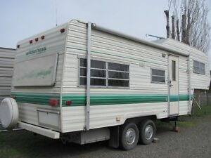 1982 Fleetwood 5th Wheel