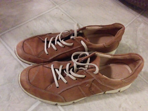 Geox leather womens shoes size 41 or 9/9.5