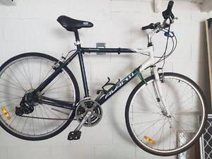 AVANTI DISCOVERY 21 SPEED HYBRID MENS BIKE - EXCELLENT CONDITION Bulimba Brisbane South East Preview