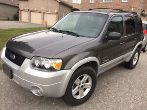 2005 Ford Escape Hybrid Leather SUV, Crossover