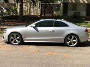 Audi A5 2 door coup 2009 AWD  Winter rims & tires included