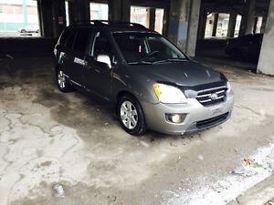 2009 Kia Rondo EX Minivan,4cylinder Super Clean 3499$ +tax