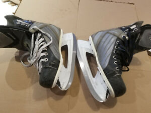 Hockey skates for kids