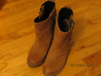 STEVE MADDEN boots,clothes, household items. Make an offer.