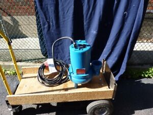 3 New submersable sewage pumps with float switches