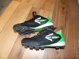 Souliers soccer pointure 5