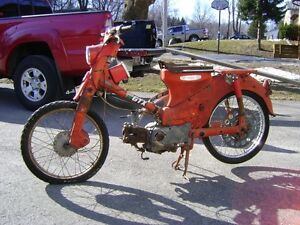 Single Cylinder Honda Scooters From The 1960s
