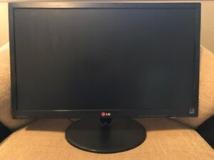 "LG 24"" Slim LCD Monitor in Excellent condition (2 available)"