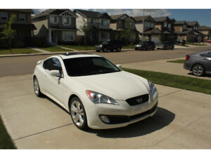 2011 Hyundai Genesis Coupe 2.0T (low kms)