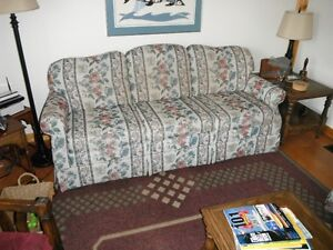 LAZY BOY CHESTERFIELD & LOVE SEAT