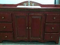 Meuble-lavabo en bois rustique (antique) et robinet