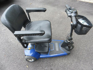 THREE-WHEEL PORTABLE MOBILITY SCOOTER