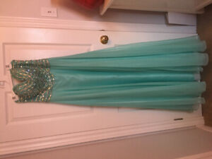 KBarketti Prom dress for sale paid $475 sell for $100