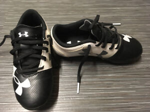 Under Armour Child's Size 11 Soccer Cleats