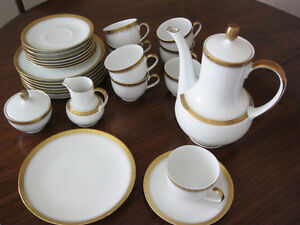 8 pc. Bavarian Dinnerware plus serving dishes