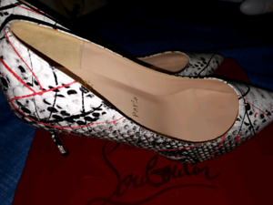 Chaussure Louboutin  pointue 41