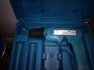 Makita 6095D 9.6v Cordless Drill with case Kitchener / Waterloo Kitchener Area image 1
