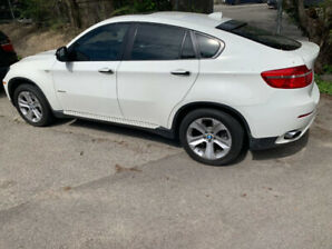 BMW X6 2011  MINT CONDITION