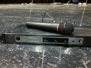 ATW -R11 Diversity Receiver with Wireless Microphone