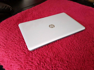 "HP Pavilion 17"" - like new"