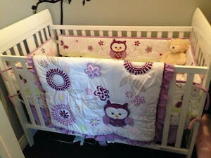 Owl crib set in brand new condition!!