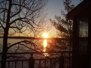 Cottage for rent- Mazinaw Lake near Bon Echo Park- Land O'Lakes