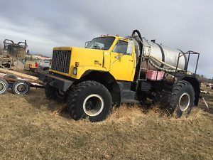 GMC SPRAYER TRUCK   ,