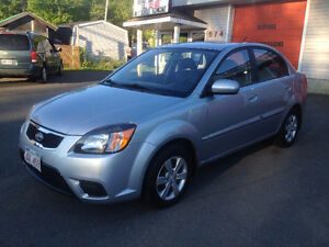 2011 KIA RIO, 88,000 KMS, CALL 832-9000 OR 639-5000