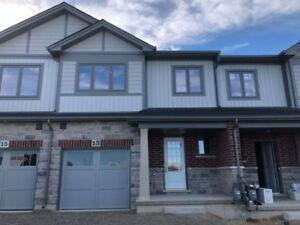 Smithville-Small town living- 3 bed, 2.5 bath brand new townhome