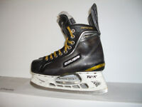 """ BAUER supreme""""-- patins --- skates size 6 D = 7.5 US men"