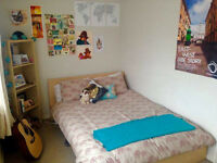 Dalston double room available immediately