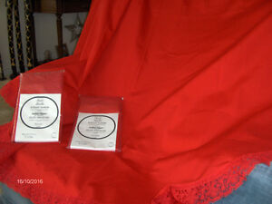 Red Tablecloth with 8 matching napkins