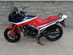 1986 Honda VFR500 Interceptor - with Safety $1,950 OBO