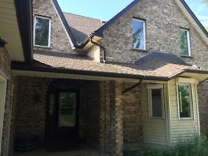 Beautiful 1 ½ Storey Yellow Brick Country Home for Rent!