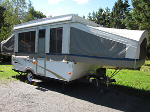 2006 Coachmen Clipper Sport 127 Camper Trailer - 12 foot