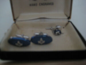 VINTAGE MASONIC CUFFLINKS and MATCHING TIE TAC