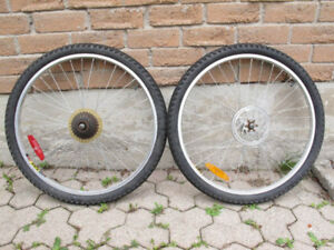 "Two complete ""26 mountain bike wheels rims 7 speed disk brake"