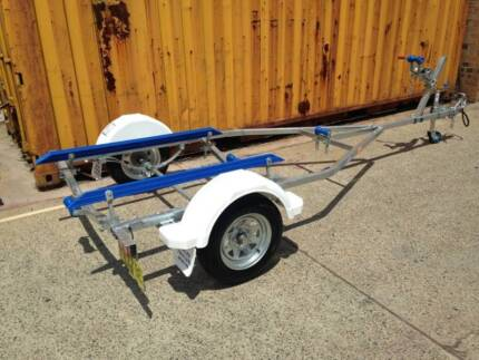 12FT model boat trailer REGISTERED-suits boats up to 4.0m