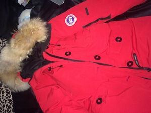 Small Canada Goose Red Woman's Bomber