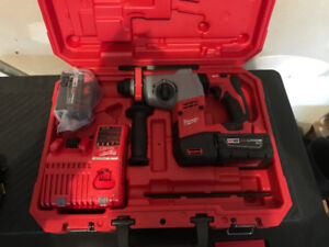 Milwaukee M18 Fuel 7/8 Inch SDS Plus Rotary Hammer HD Kit