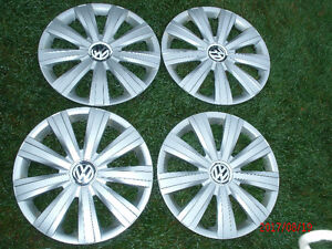 Jeu de 4 enjoliveurs de roues VW