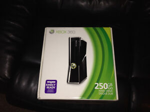 250gb Xbox 360 2 controllers tons of games