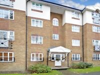 1 bedroom flat in Croft Street, Surrey Quays SE8