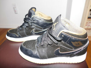 Nike Air Jordan 1 MID BG, size 4Y comes with box.