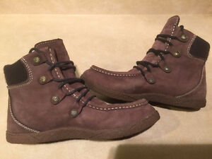 Men's Ocean Minded Leather Boots Size 9 London Ontario image 6