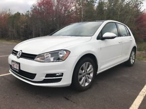 VW Golf Comfortline Auto LOW KMS!
